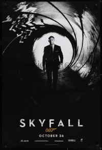 6r813 SKYFALL int'l teaser DS 1sh 2012 October style, Craig as James Bond standing in gun barrel!