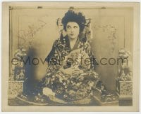 6s298 GERALDINE FARRAR signed deluxe stage play 8x10 still 1907 w/Asian costume in Madame Butterfly!