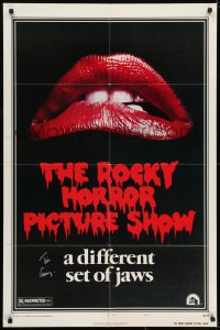 6s031 ROCKY HORROR PICTURE SHOW signed 1sh 1975 by Tim Curry, classic image, different set of jaws!