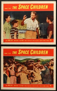 7z948 SPACE CHILDREN 2 LCs 1958 Ray explaining to scared woman and children & people covering eyes!