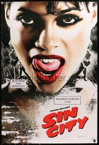 8a784 SIN CITY teaser DS 1sh 2005 graphic novel by Frank Miller, sexy Rosario Dawson as Gail!