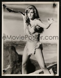 9a031 ONE MILLION YEARS B.C. 32 8x10 stills 1967 MANY great images of sexy cave woman Raquel Welch!