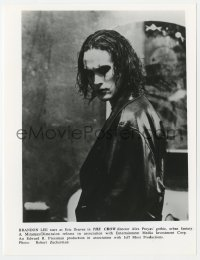 1a209 CROW 7.75x10 still 1994 waist-high close up of Brandon Lee, son of Bruce Lee!