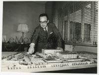 1a244 DINO DE LAURENTIIS 7x9.5 still 1960s Italian producer with scale model of his new studio!