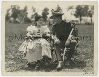 1a950 WAR PAINT candid 8x10.25 still 1926 Tim McCoy & Pauline Starke laughing between scenes!