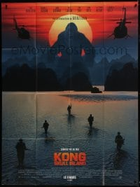 1c718 KONG: SKULL ISLAND advance French 1p 2017 soldiers & helicopters with King Kong silhouette!