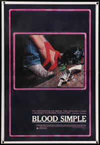 2h047 BLOOD SIMPLE linen 1sh 1985 Joel & Ethan Coen, cool different film noir gun image, rare!