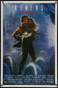 2p030 ALIENS 1sh 1986 James Cameron sci-fi sequel, Sigourney Weaver as Ripley carrying Carrie Henn!