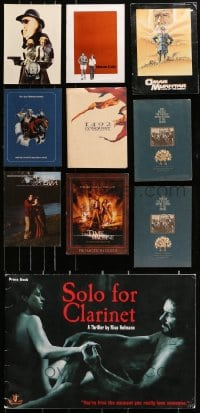 2y188 LOT OF 10 PROGRAM BOOKS AND PROMO BROCHURES 1970s-2000s a variety of movie images!