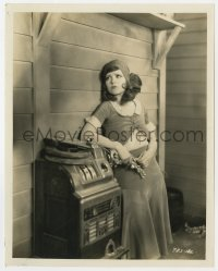 3h199 CLARA BOW 8x10 still 1930s great full-length close up leaning on vintage slot machine!