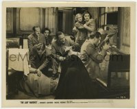 3h527 LADY VANISHES 8x10.25 still 1938 Margaret Lockwood & others watch Redgrave at film's climax!