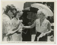 3h012 MISFITS candid 8x10.25 still 1961 happy Marilyn Monroe giving autographs on the set!