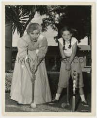 3h800 SCANDAL AT SCOURIE candid deluxe 8x10 still 1953 Greer Garson & Donna Corcoran enjoy croquet!