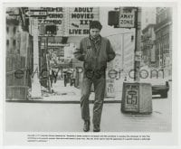 3h870 TAXI DRIVER 8.25x9.75 still 1976 classic image of Robert De Niro in New York, Martin Scorsese!
