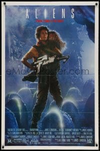 3t027 ALIENS 1sh 1986 James Cameron sci-fi sequel, Sigourney Weaver as Ripley carrying Carrie Henn!