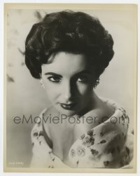 4d322 ELIZABETH TAYLOR deluxe 8x10 still 1956 wonderful head & bare shoulders close up from Giant!
