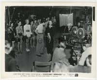 4d358 FOOTLIGHT SERENADE candid 8.25x10 still 1942 crew filming Mature & ladies with boxing gloves!