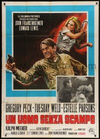 4w496 I WALK THE LINE Italian 1p 1971 different art of Gregory Peck & Tuesday Weld, Frankenheimer