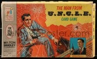 5c034 MAN FROM U.N.C.L.E. card game 1965 cover art of Robert Vaughn as Napoleon Solo!