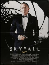 5j818 SKYFALL French 1p 2012 great image of Daniel Craig as James Bond in tuxedo with gun in hand!