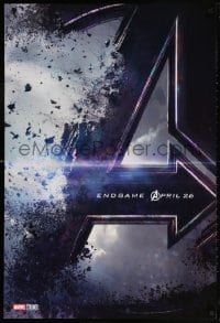5t064 AVENGERS: ENDGAME teaser DS 1sh 2019 Marvel Comics, Hemsworth and huge cast, shattering logo!