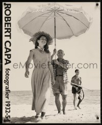 6g240 ROBERT CAPA FOTOGRAFIER 1932-54 25x30 Swedish museum/art exhibition 1980s Gilot and Picasso!