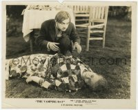 6h944 VAMPIRE BAT 8x10 still 1933 crazy Dwight Frye looks at Maude Eburne after she passes out!