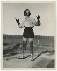 6h985 WOMAN OF DISTINCTION 8.25x10 still 1950 Rosalind Russell covered in mud by Lippman!