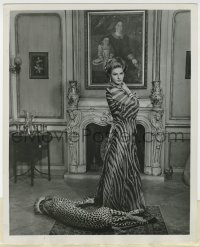 6h953 VISIT 8.25x10 still 1964 Ingrid Bergman in a truly regal pose with her pet leopard!