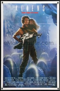 6j028 ALIENS 1sh 1986 James Cameron sci-fi sequel, Sigourney Weaver as Ripley carrying Carrie Henn!