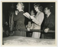 8g080 ADDRESS UNKNOWN candid 8.25x10 still 1944 William Cameron Menzies, Mate & cast on set by Head!