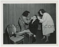 8g051 EASTER PARADE candid 4x5 still 1948 Judy Garland getting hair & makeup work, deleted scene!