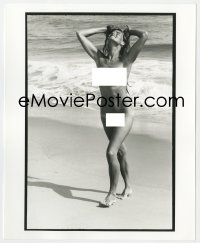 8g043 JAWS deluxe candid 8x10 file photo 1975 Susan Backlinie completely naked on beach by Goldman!