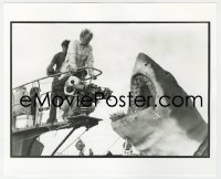 8g045 JAWS deluxe candid 8x10 file photo 1975 Spielberg & crew filming Bruce the shark by Goldman!