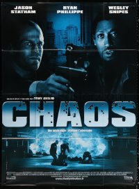 2z0819 CHAOS French 1p 2006 great close up of Jason Statham & Wesley Snipes with guns!