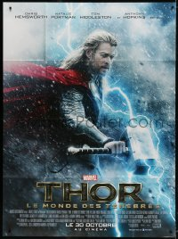 2z1181 THOR: THE DARK WORLD advance French 1p 2013 great c/u of Chris Hemsworth with hammer!