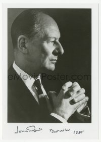 3f0912 JOHN GIELGUD signed 5x7 photo 1985 profile portrait of the great English actor!