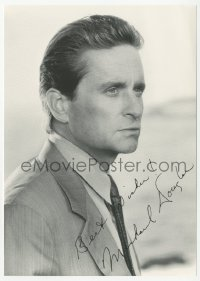 3f0927 MICHAEL DOUGLAS signed 5x7 photo 1980s great head & shoulders portrait wearing suit & tie!