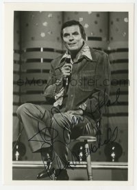 3f0939 PETER MARSHALL signed 5x7 photo 1970s the Hollywood Squares TV game show host with microphone!