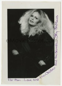 3f0944 SALLY STRUTHERS signed 5x7 photo 1980s glamour portrait of the All in the Family actress!