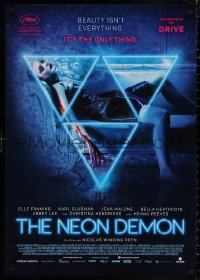 4j0012 NEON DEMON German 2016 Nicholas Winding Refn, completely different image of Elle Fanning!