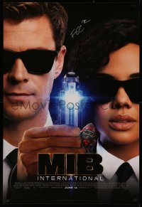 4p0012 MEN IN BLACK INTERNATIONAL signed advance 1sh 2019 by director F. Gary Gray, great image!