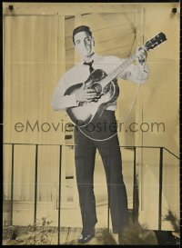 5b0416 ELVIS PRESLEY Danish 1960s different full-length image playing guitar, ultra rare!