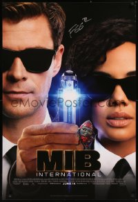 5y0009 MEN IN BLACK INTERNATIONAL signed advance 1sh 2019 by F. Gary Gray, great image of Hemsworth!