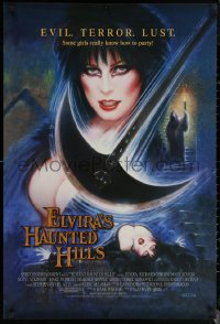 6s1011 ELVIRA'S HAUNTED HILLS 1sh 2001 great Olivia art of sexy Cassandra Peterson in peril!