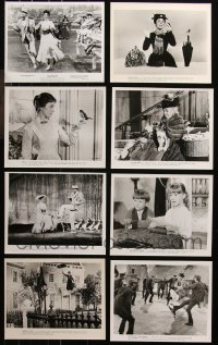 6t0805 LOT OF 16 MARY POPPINS UNMARKED RE-RELEASE OR RE-STRIKE 8X10 STILLS 1980s Julie Andrews!