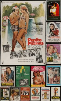 6t1029 LOT OF 19 FORMERLY FOLDED SPANISH POSTERS 1960s-1980s great images from a variety of movies!