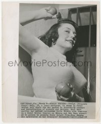 6w0167 EVELYN WEST 8.25x10 news photo 1940s stripper jailed for throwing tomatoes at Anita Ekberg!