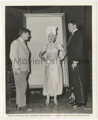 6w0181 FOLLOW THE BOYS candid 8x10 still 1944 Marlene Dietrich, Orson Welles & director Sutherland!