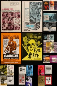 8h0011 LOT OF 23 UNCUT PRESSBOOKS 1960s-1970s advertising for a variety of different movies!